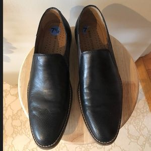 Hush Puppies leather dress shoes size 7.5 fits 8